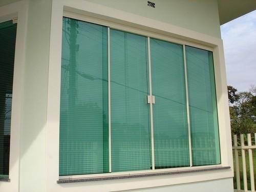 janela de vidro para sala